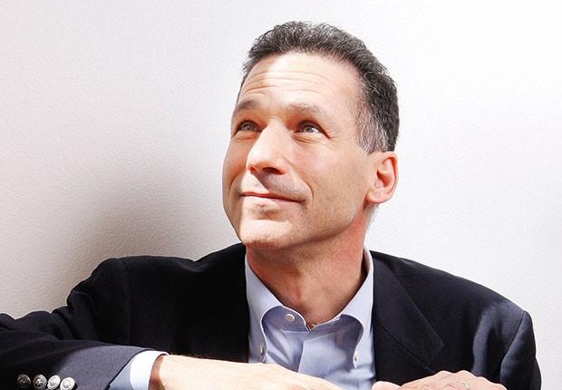 """Brasil;Entrevista;Recessão;Gestão;William Ury;Fundador da escola de negociação de Harvard;Ury: """"A dificuldade maior não é negociar com quem está do outro lado da mesa. Mas, sim, com você mesmo"""" (Foto: Paul Grover/REX/Shutterstock)"""