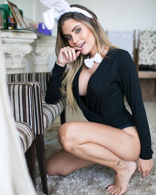 Júlia Sampaio (Foto: Reprodução / Instagram)