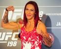 Musculosa, Cris Cyborg faz encarada  séria com Leslie Smith em Curitiba