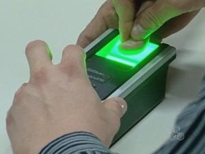 TRE monta posto de recadastramento biométrico nesta quarta-feira, em RO (Foto: Reprodução/TV Rondônia)