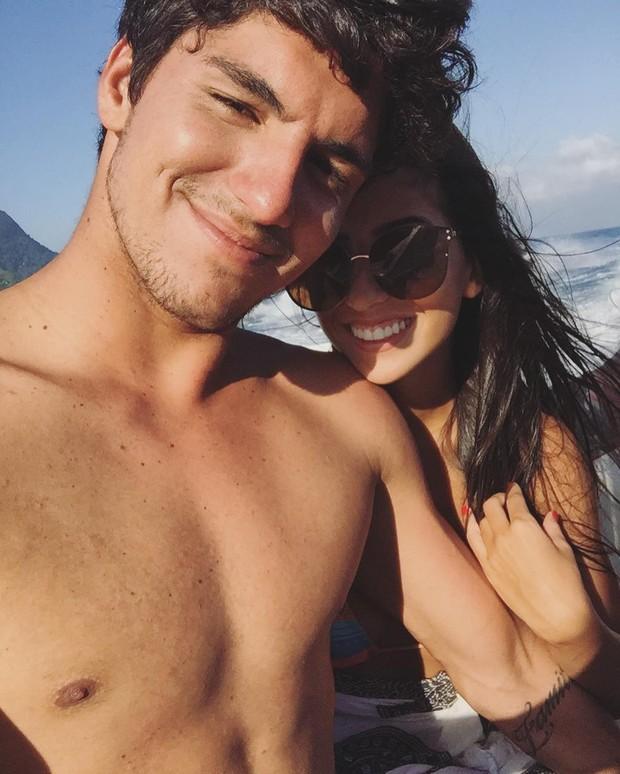 Gabriel Medina e a namorada (Foto: Instagram / Reprodução)