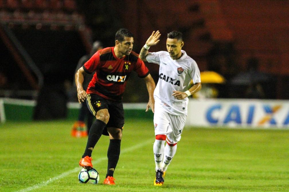Sport foi presa fácil do Vitória, na Ilha do Retiro, pela Série A (Foto: Marlon Costa / Pernambuco Press)