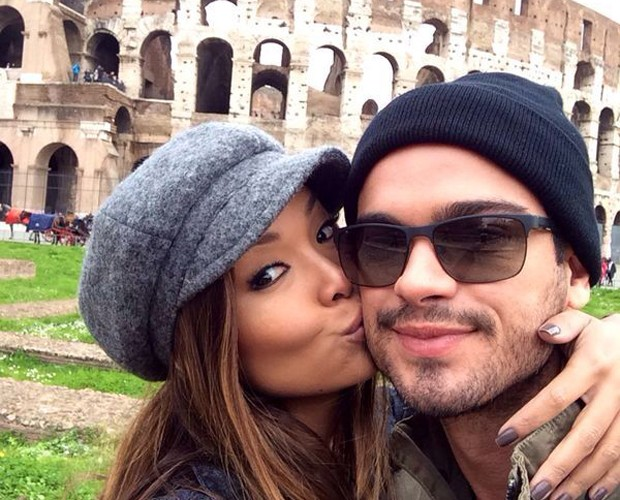 O casal visitou muitos lugares turísticos, como o Coliseu (Foto: Arquivo Pessoal)