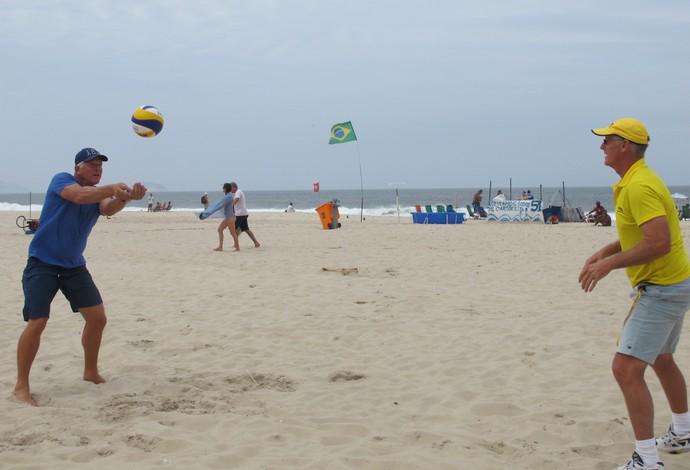 Sinjin Smith Randy Stocklos evento-teste vôlei de praia Rio (Foto: Gabriel Fricke)