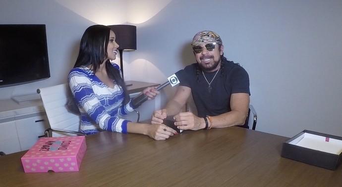 Niara Meireles entrevista Bell Marques (Foto: Produção Se Liga VM)
