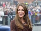 Kate Middleton repete casaco de um ano atrás (e a barriguinha ainda cabe)