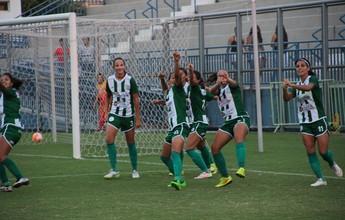 Nathane extermina má fase e marca dois gols na final do estadual feminino