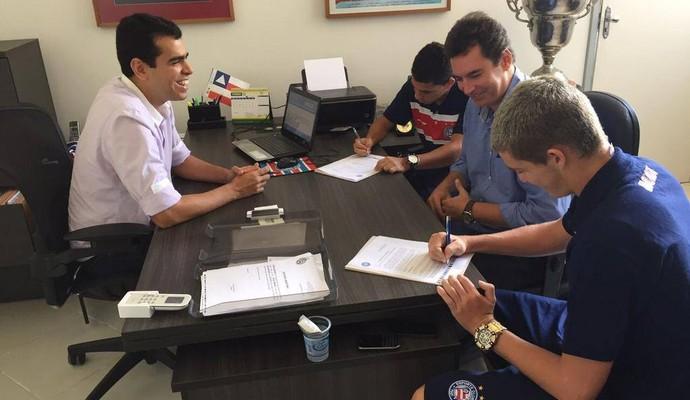 Marcelo Sant'ana contrato Bruno Paulista e Rômulo (Foto: Divulgação / EC Bahia)