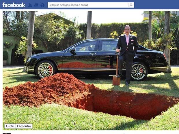 Scarpa postou foto de buraco em jardim (Foto: Reprodução/Facebook)