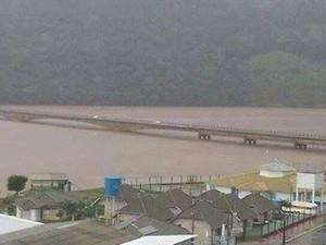 Ponte entre RS e SC segue interditada (Foto: radiocatarinense.com.br/Divulgação)