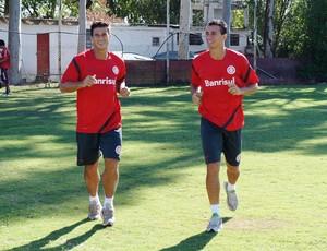 Leandro Damião e Índio no Beira-Rio (Foto: Diego Guichard/Globoesporte.com)