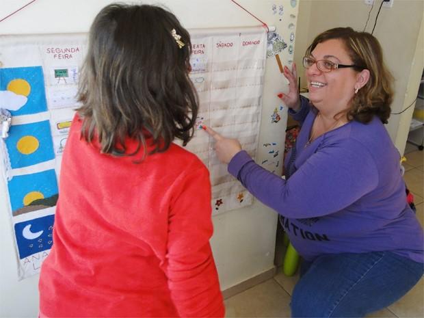 Quando a criança sai um pouco do padrão, a professora se sente despreparada, diz Sheyla (Foto: Adriano Oliveira/G1)