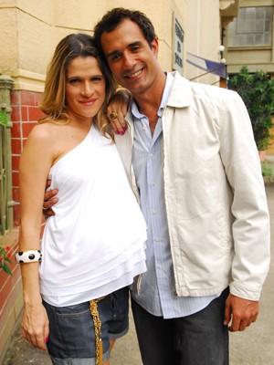 Ingrid Guimarães exibia uma barrigão nos bastidores de Caras e Bocas (Foto: Divulgação/TV Globo)