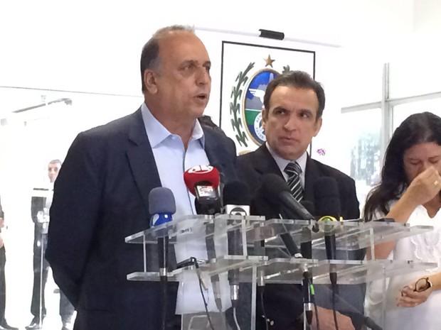 Governador do Rio de Janeiro, Pezão, se reuniu com deputados federais do RJ (Foto: Cristina Boeckel/ G1)