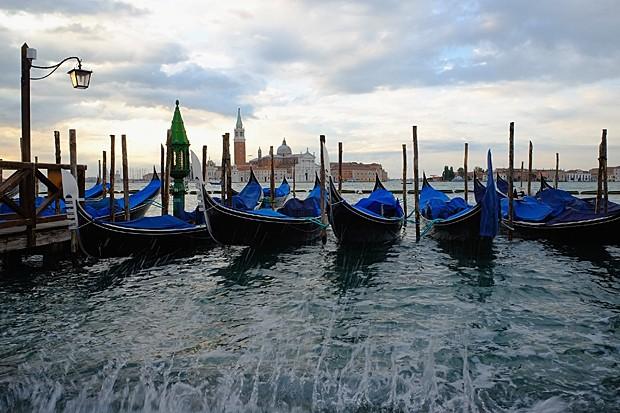 Maré alta atinge Veneza é um fenômeno comum no outono e inverno (Foto: Photo by Marco Secchi/Getty Images)