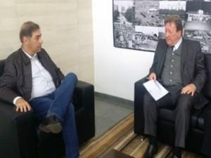Prefeito de Campo Grande, Alcides Bernal, recebeu pedidos do presidente do TJ/MS, desembargador João Maria Lós, para o entorno do Cijus (Foto: Divulgação/TJMS)