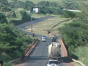 Leilão BR-262 rodovia Triângulo Mineiro (Foto: Reprodução / TV Integração)