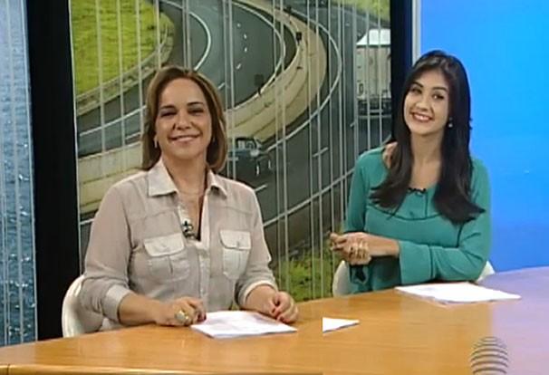 Cíntia Aquino e Carla Moreno dividiram a bancada do SPTV 1ª Edição (Foto: Reprodução/TV Fronteira)