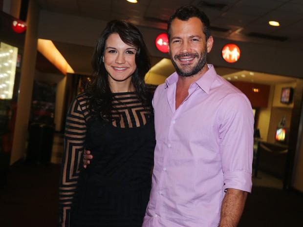 Malvino Salvador com a namorada, Kyra Gracie, em pré-estreia de filme em São Paulo (Foto: Manuela Scarpa/ Foto Rio News)