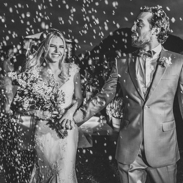 Louise D'Tuani em seu casamento com Eduardo Sterblitch  (Foto: Instagram/ Reprodução)