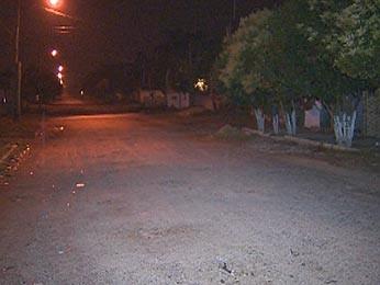Rua onde a perseguição e os disparos ocorreram em Alvorada (Foto: Reprodução/RBS TV)
