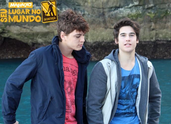 João Vithor Oliveira e Nicolas Prattes conversam antes da escalada (Foto: Rodrigo Brisolla/Gshow)