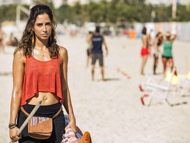 Atriz está de volta às novelas e vive mulher batalhadora (Foto: Inácio Moraes/Gshow)