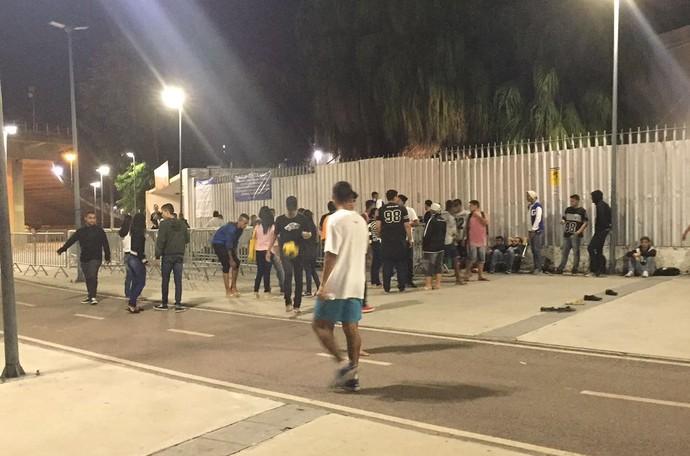 Fila Vasco Botafogo Maracanã (Foto: Gabriela Pantaleão / GloboEsporte.com)