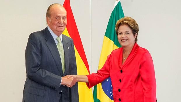 Dilma com o rei Juan Carlos II, da Espanha, no Palácio do Planalto (Foto: Roberto Stuckert Filho / Presidência)