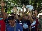 Por dia, 800 venezuelanos entram no Brasil pela cidade de Pacaraima (RR)
