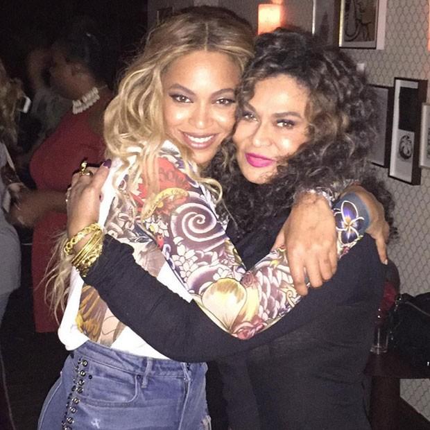 Beyoncé e a mãe, Tina Knowles, em festa em Nova York, nos Estados Unidos (Foto: Instagram/ Reprodução)