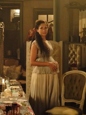 Camila PItanga como Isabel beeem grávida (Foto: Lado a Lado/TV Globo)