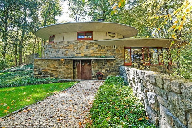 Casa-cogumelo, projetada por Frank Lloyd-Wright, está à venda (Foto: © Houlihan Lawrence / mediadrum)