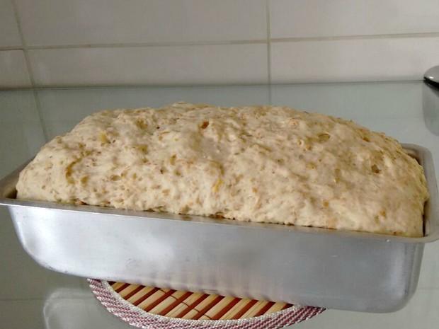 Coloque a massa em descanço para que ela cresça, antes de ir ao forno (Foto: Ive Rylo/G1AM)