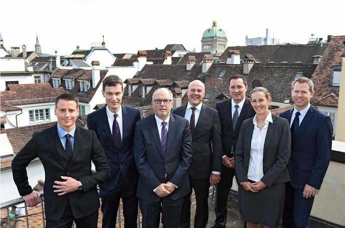 Georg Friedli de óculos advogado Marin escritório Friedli & Schnidrig Suíça
