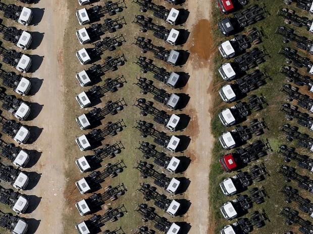 Caminhões em fábrica de São Bernardo do Campo. (Foto: REUTERS/Paulo Whitaker)