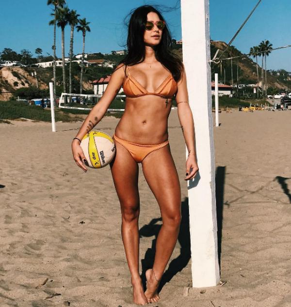 Thaila Ayala mostra o corpão em dia de vôlei de praia (Foto: Reprodução/Instagram)