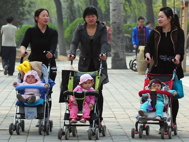 Política foi usada para controle violento de natalidade em diversas regiões do país e abandono de meninas (Foto: AFP Photo/Files/Frederic J. Brown)