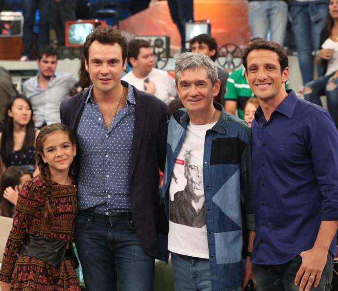 Serginho recebe Mel Maia, Sergio Guizé e Belletti no Altas Horas (Foto: Carol Caminha/Gshow)