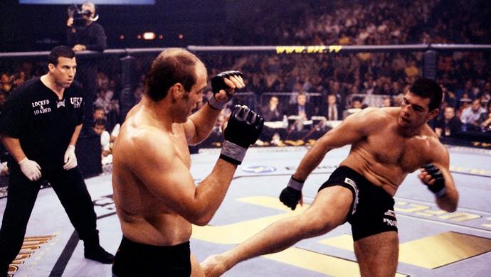 UFC Pedro Rizzo e Randy Couture 2001 (Foto: Agência Getty Images)