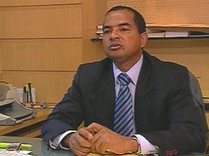 Delegado Artur Tito, titular da Delegacia do Cabo (Foto: Reprodução/TV Globo)