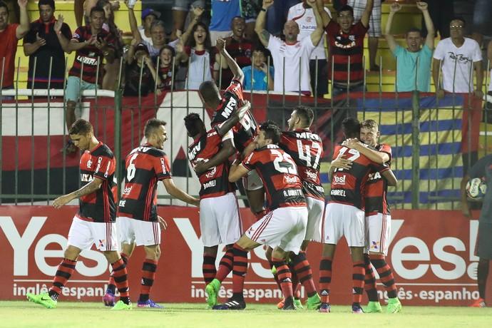 juan gol flamengo portuguesa (Foto: Gilvan de Souza / Flamengo)
