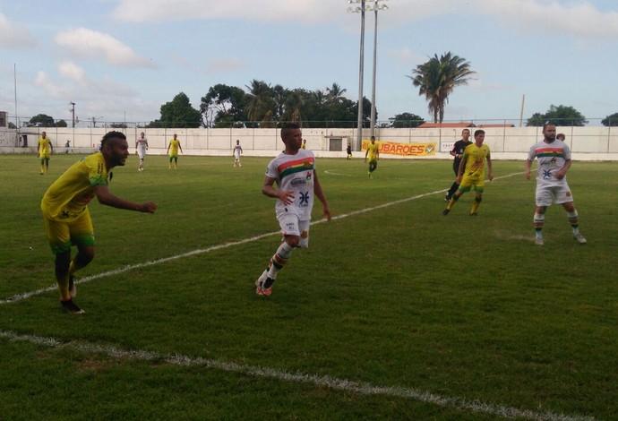 São José e Sampaio se enfrentaram na tarde deste sábado, no Dário Santos (Foto: João Ricardo / GloboEsporte.com)