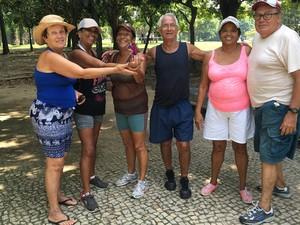 Grupo de amigos joga peteca todos os dias no Aterro do Flamengo (Foto: Mariucha Machado/G1)