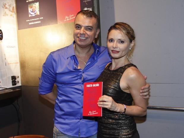 Fausto Galvão e Rita Guedes em evento na Zona Sul do Rio (Foto: Marcos Ferreira/ Brazil News)