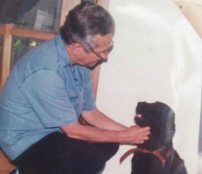 Silvestre 'adota' animais de rua há mais de 20 anos (Foto: Divulgação)