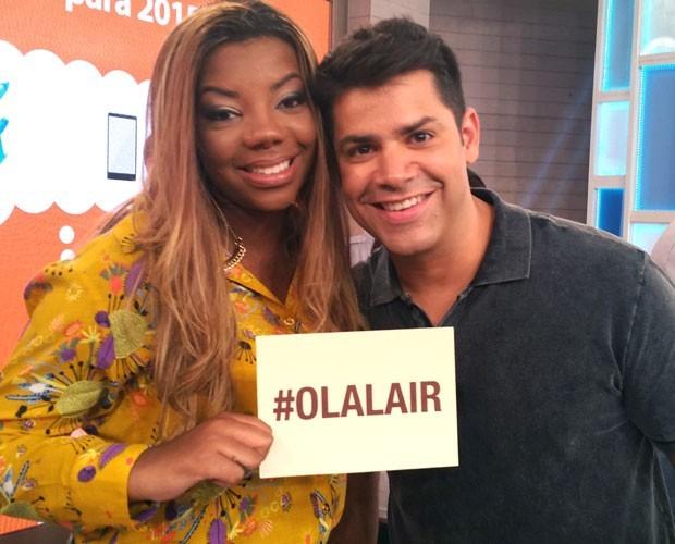 Cantora Ludmilla posa com Lair Rennó (Foto: Marina Siqueira / Gshow)