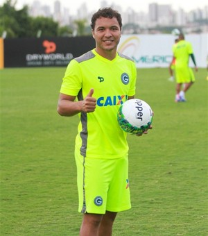 Alex Alves - zagueiro do Goiás (Foto: Rosiron Rodrigues / Goiás E.C.)