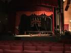 Imagens mostram como ficou palco de teatro em Salvador após incêndio