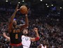 No embalo de Dwight Howard, Hawks superam Toronto Raptors fora de casa